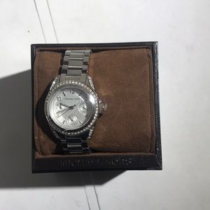 Michael Kors MK5612 Women's Watch (no battery)